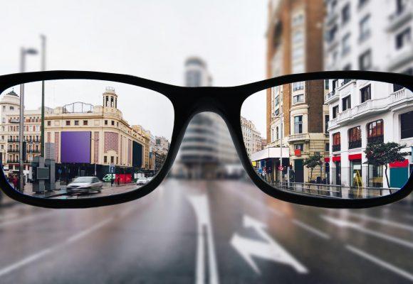Receitar óculos com grau: uma tarefa que só o oftalmologista pode fazer