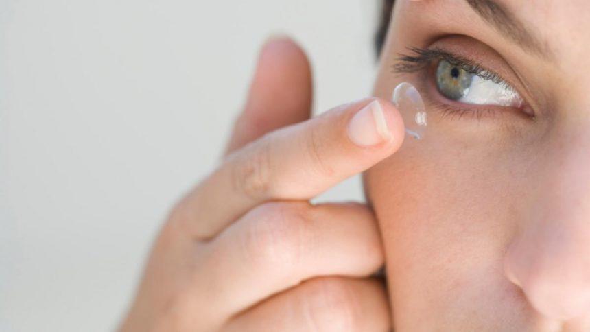 Cuidados na preservação das lentes de contato e uso adequado
