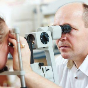 Exame de fundo de olho pode diagnosticar doenças sistêmicas como a hipertensão